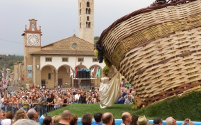 Harvest season in Impruneta, grape fair and Nostradamus