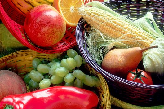 Fruit_and_vegetables_basket